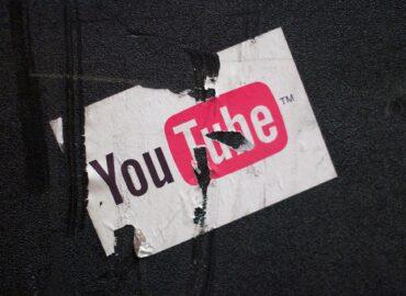7 ventajas de usar YouTube para empresas que debes conocer. Cada día ingresan a YouTube más de 800 millones de personas alrededor del mundo para ver vídeos, anuncios, tutoriales y presentaciones de empresas.