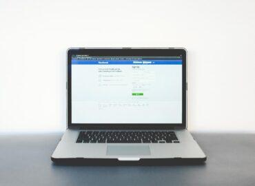 Fórmate en Facebook con The Social Media Lab. Una formación profesional en Facebook donde aprenderás todo lo que necesitas saber para explotar todo su potencial y llevar tu marca al siguiente nivel.